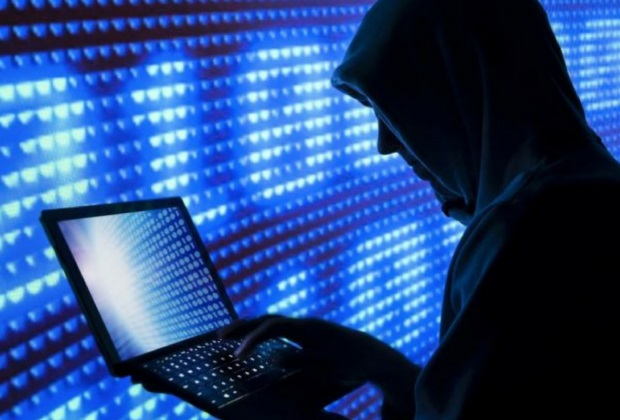 Attacco hacker all'Open Day: insulti e video porno